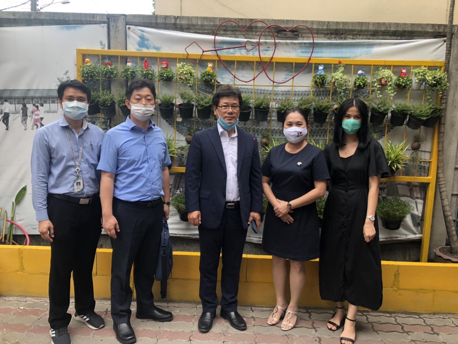 ผู้อำนวยการ HRD Korea EPS Center ประจำประเทศไทย เข้าเยี่ยมชมการเรียนการสอนของโรงเรียนแม้นศรีกรุงเทพฯ